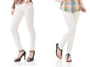 白パンツを履いた2人の女性